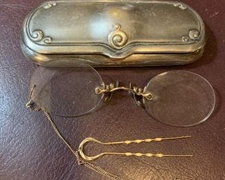 pince-nez gold glasses in silver plate case