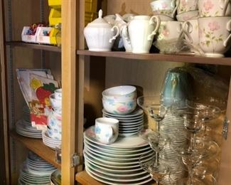 China, dinnerware, glassware & serving pieces