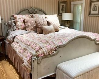 King master bedroom furniture - Gorgeous Country French bed, armoire & dresser