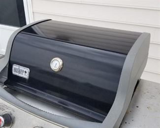 3 Weber grills available - varying conditions