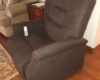 Electric Lift chair, 4 months old; perfect condition