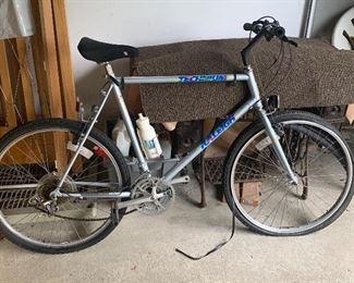 Raleigh Technium bike