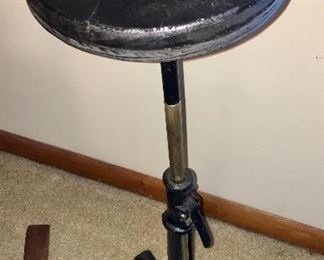 Rare The Hess Improved 1883 Photographer's Head Stand. Base is original cast iron signed.