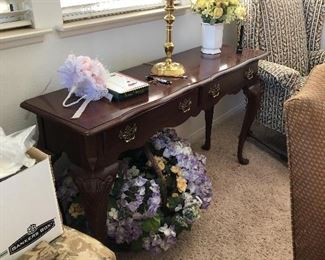 Side or entry table