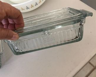 Pyrex with lids. 3 to pick from