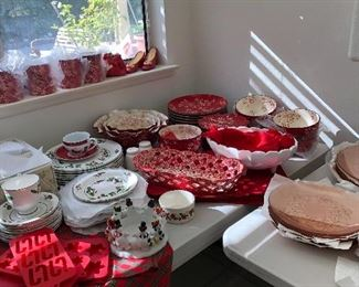 Christmas Dishes.  And Fabulous Red and White set of dishes
