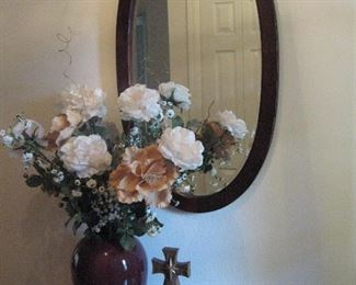 Oval Mirror Above Entry Table, Lots of Extra's...