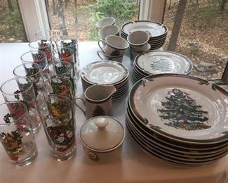 Christmas Dishes, (Pacific Rim) Set of Christmas Glasses...