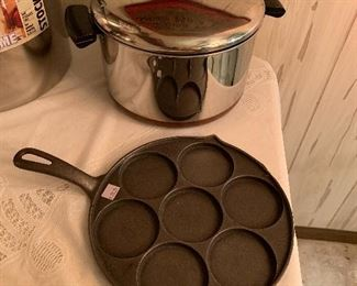 Now is the time for Chili and cornbread!  Nice stick pot and cast iron pan!