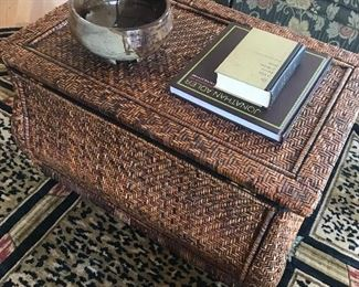 Coffee table/storage