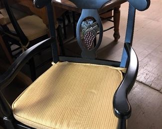 8 matchingDining Chairs