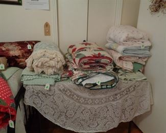 LOTS OF LINENS AND QUILTS
