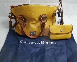 DOONEY & BOURKE LADIES HAND BAG WITH CHANGE PURSE