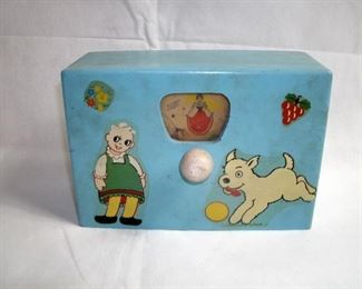 ANTIQUE WOODEN WIND-UP CHILDS PICTORIAL MUSICAL BOX
