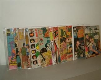 VINTAGE TEN CENT & OTHER MISC COMIC BOOKS