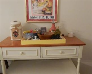 Small buffet server & decorative items