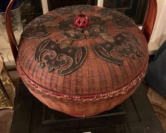 Beautiful antique Chinese lunch box