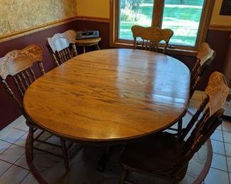 Oak dining set w/6 chairs