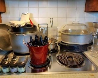 Guardian Ware aluminum roaster, dutch oven and chicken fryer! with lids!!