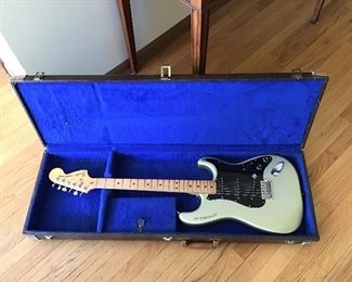 1979 Silver Anniversary Stratocaster with Case (Original Pegs)