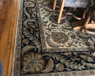 2 Rugs similar is coloring