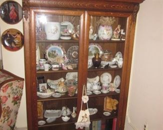 Display Cabinet with all Collectible Contents
