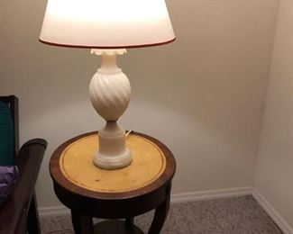 PAIR OF ALABASTER LAMPS AND SIDE TABLE