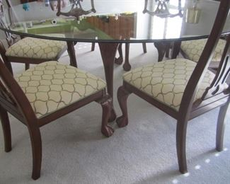 ROUND GLASS TABLE AND 6 CHAIRS