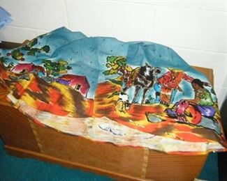 Hand painted skirt made in Mexico .Its BIG and fun.