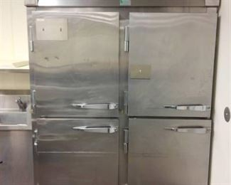 McCall Commercial Refrigerator/Freezer Model 1045