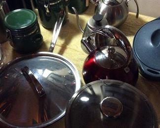 More cookware, Canister, Tea Pot,