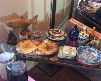 Decor items Fish, Buddha, Vases, Ashtrays, Madonna and Child, Trivits