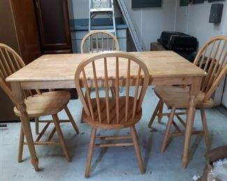 Maple Dining Table and Windsor Back Chairs Set