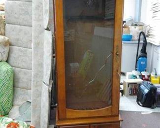 Six Gun Wood Gun Cabinet w/ Glass Door and Bottom Cabinet Doors
