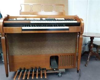 Baldwin Console Electronic Organ & Bench