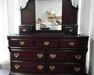 9 Drawer Dresser w/ Colonial Style Mirror