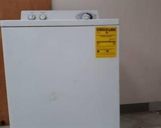 GE Model WJSR2070B2WW Clothes Washer