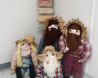 Scarecrow Yard Pick and Hillbilly Dolls