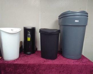 Trash Cans / Recepticles Lot