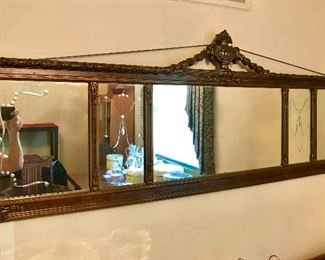 Long wall mirror with cut glass desing