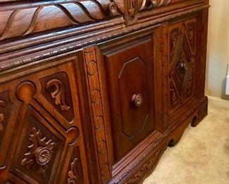 Mint condition oak carved buffett