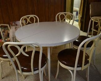 TABLE W/6 CHAIRS