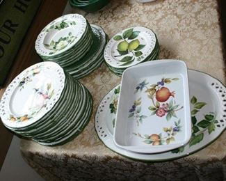 Large Set of China Fruit Motif made in Italy