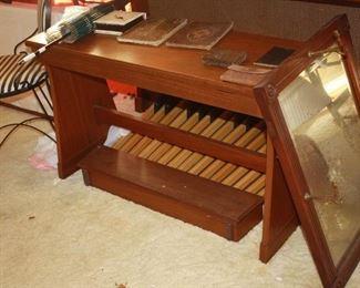 Nice organ bench