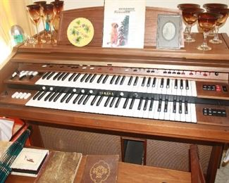 Great vintage organ