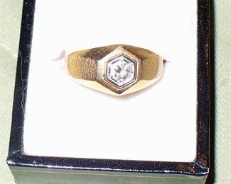 MAN'S DIAMOND RING HAS 1/3 CARAT
