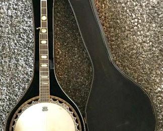 Odessa 5-string banjo with case