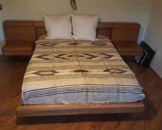 bedroom platform bed 80s modern oak