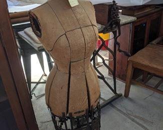 Mannequin body Patent 1906