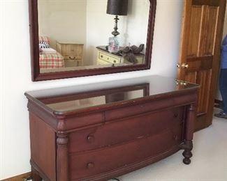 Dresser, Mirror w Companion Headboard/Footboard